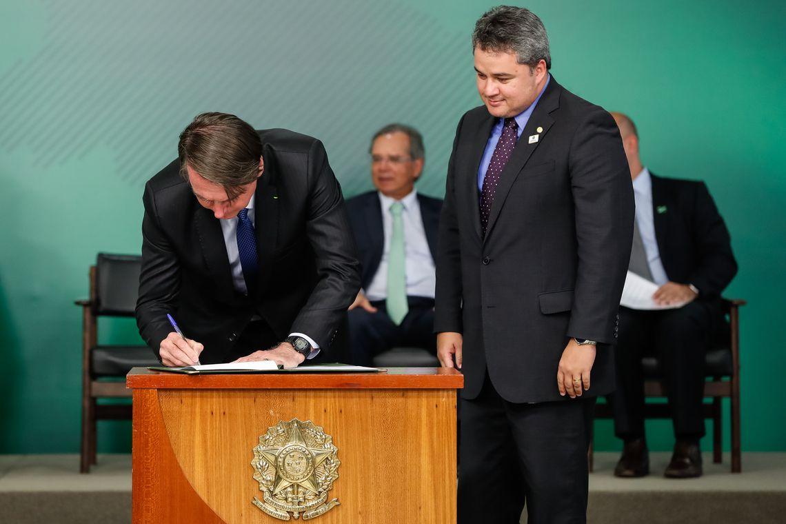 O presidente Jair Bolsonaro sancionou a nova Lei do Cadastro Positivo
